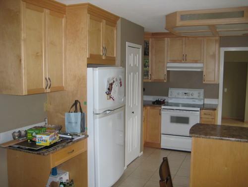 What counters/flooring/backsplash go with light maple ... on Maple Cabinets With Backsplash  id=60102