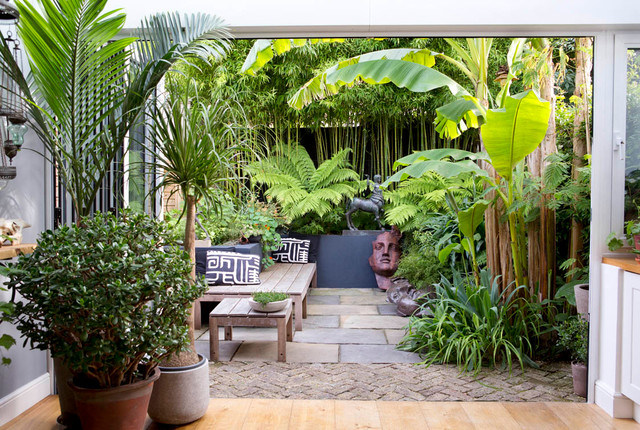 16 of the Best Small Urban Garden Ideas | Houzz IE on Small Urban Patio Ideas  id=77878