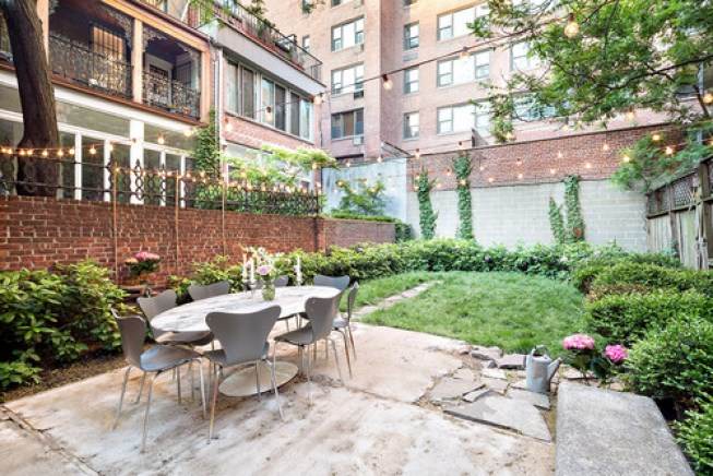 Even if your yard does not have a mountain or ocean view you can set up a table in your yard. You can still enjoy your own garden or even a cityscape view.