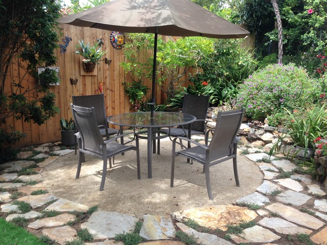 Decomposed Granite Patio with Flagstone Border ... on Decomposed Granite Backyard Ideas id=48505