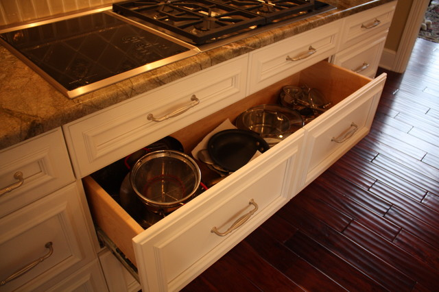 Deep Pan Drawer Traditional Kitchen Cleveland Architectural