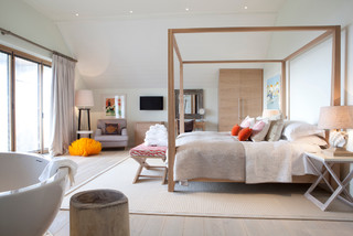 Little Polgarron scandinavian-bedroom