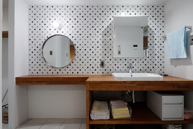 Bilaminato bianco spesso 19 mm: 40 Idee Per La Coppia Superstar In Bagno Ovvero Lampada E Specchio