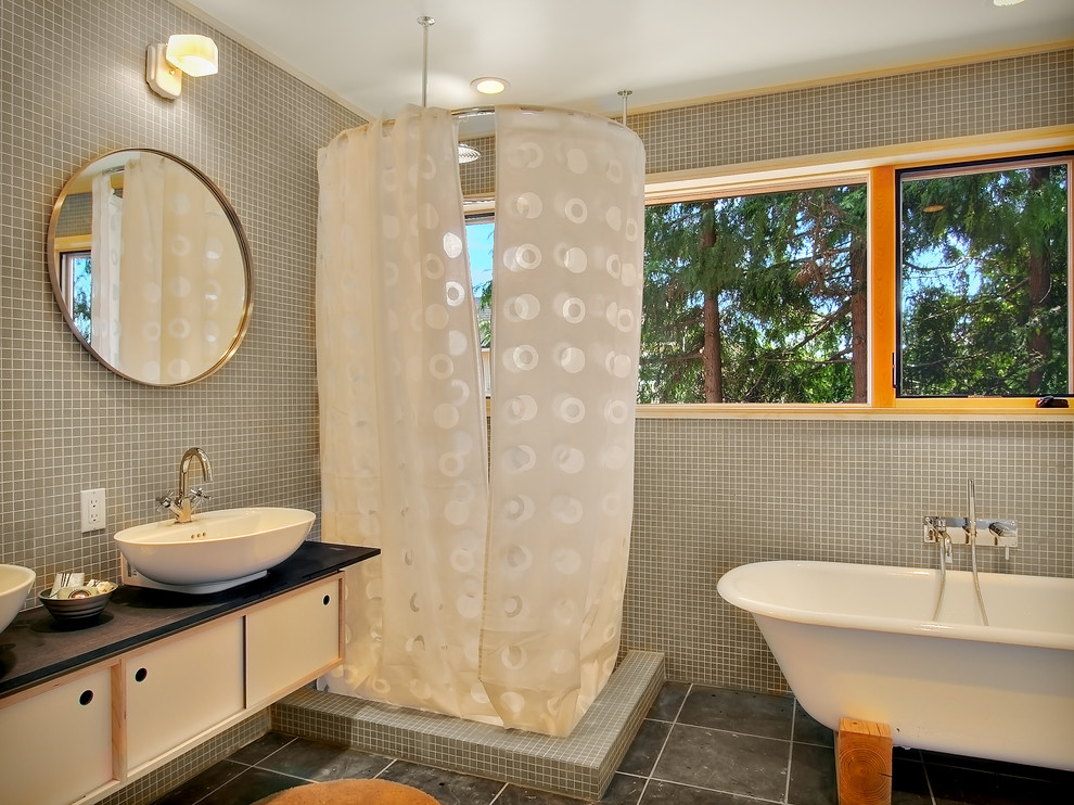 modern bathroom seattle
