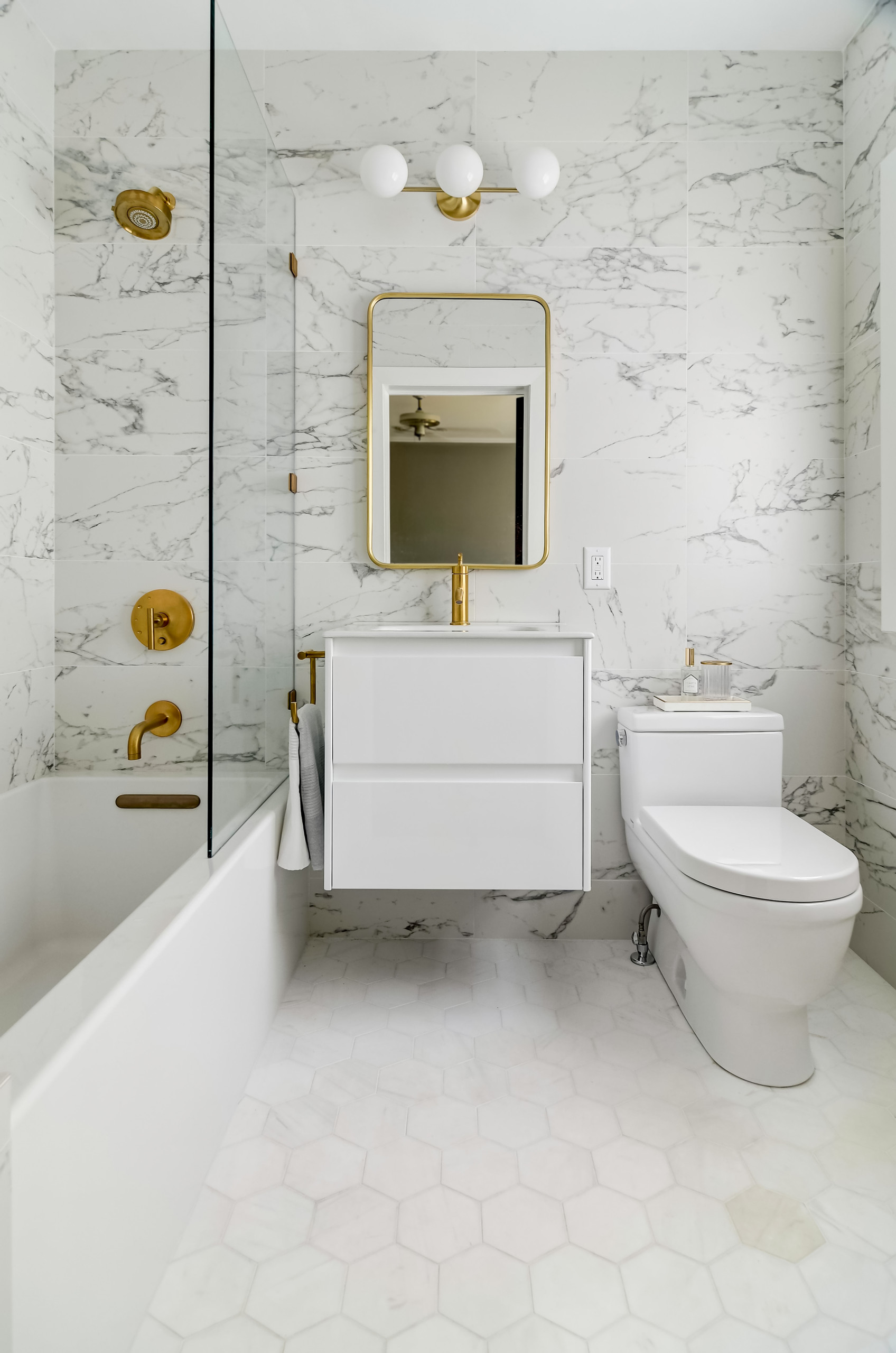 75 beautiful porcelain tile bathroom