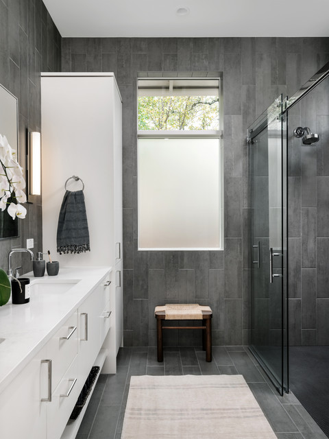 10 bathrooms with wonderful walk in showers