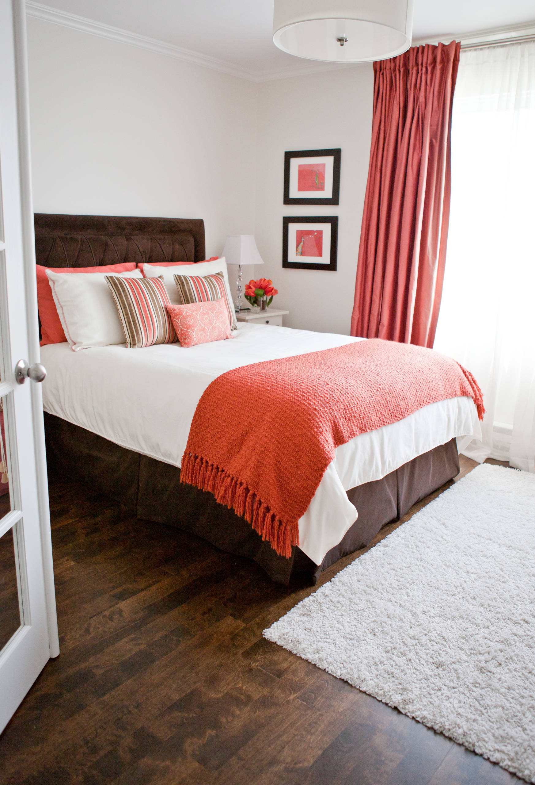 red and brown bedroom ideas and photos