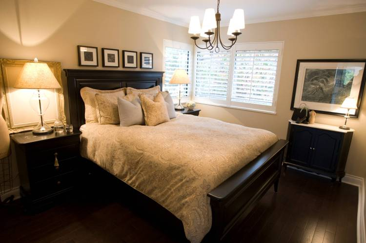 75 Beautiful Small Traditional Bedroom Pictures Ideas January 2021 Houzz