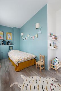 chambre d enfant avec un mur bleu
