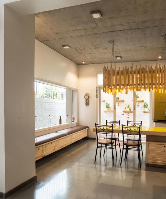 what s the cost of installing floor tiles