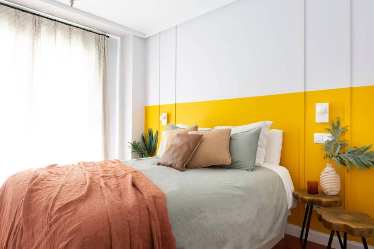 75 Beautiful Yellow Bedroom Pictures Ideas January 2021 Houzz