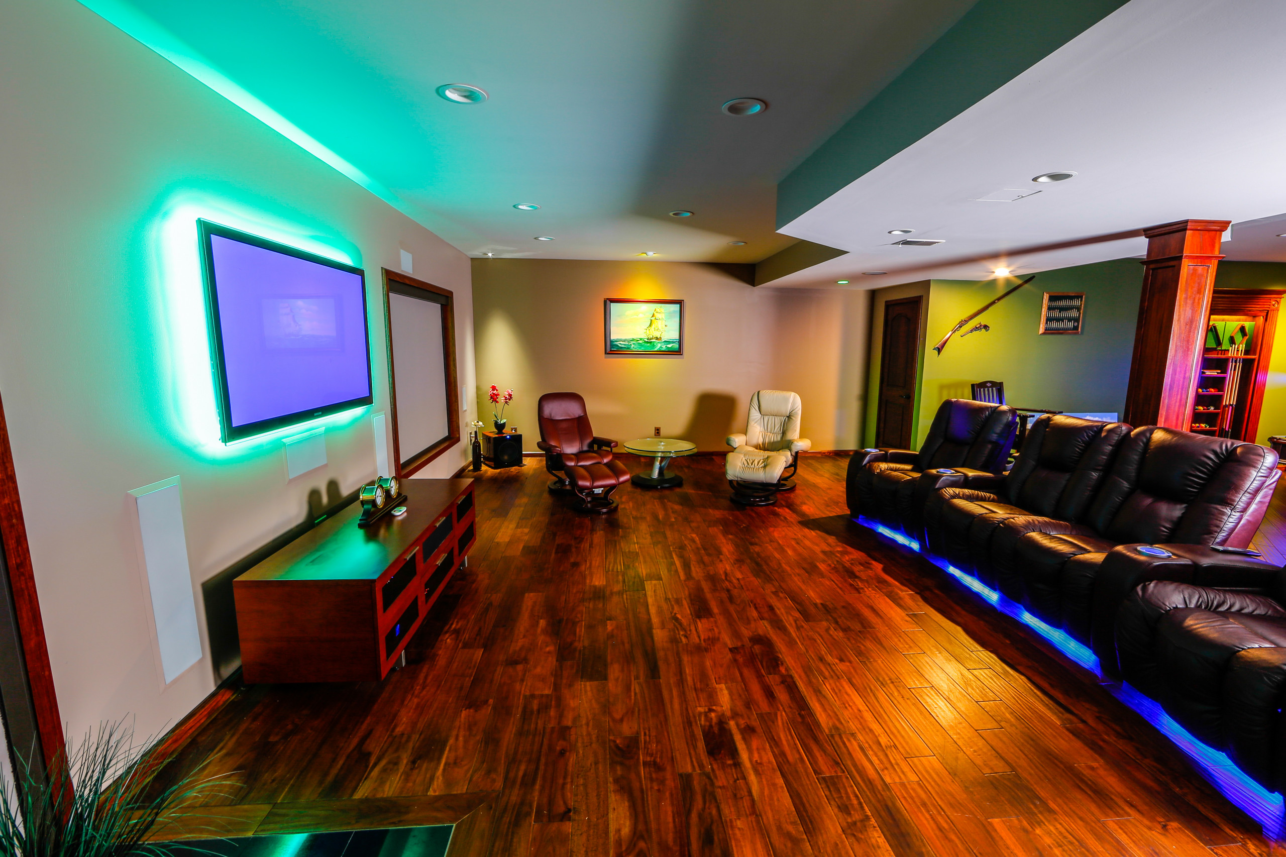 led accent lighting and recessed
