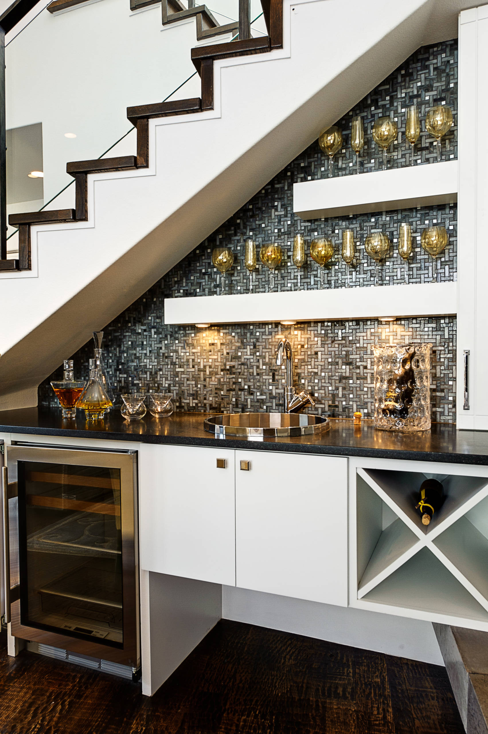 Home bar crea il tuo angolo di piacere quotidiano. Angolo Bar Foto Idee Arredamento Settembre 2021 Houzz It