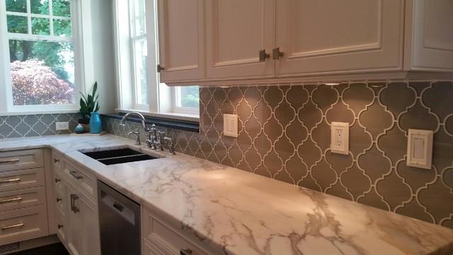 arabesque glass mosaic tile backsplash