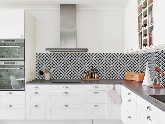 modern kitchen backsplash triangular
