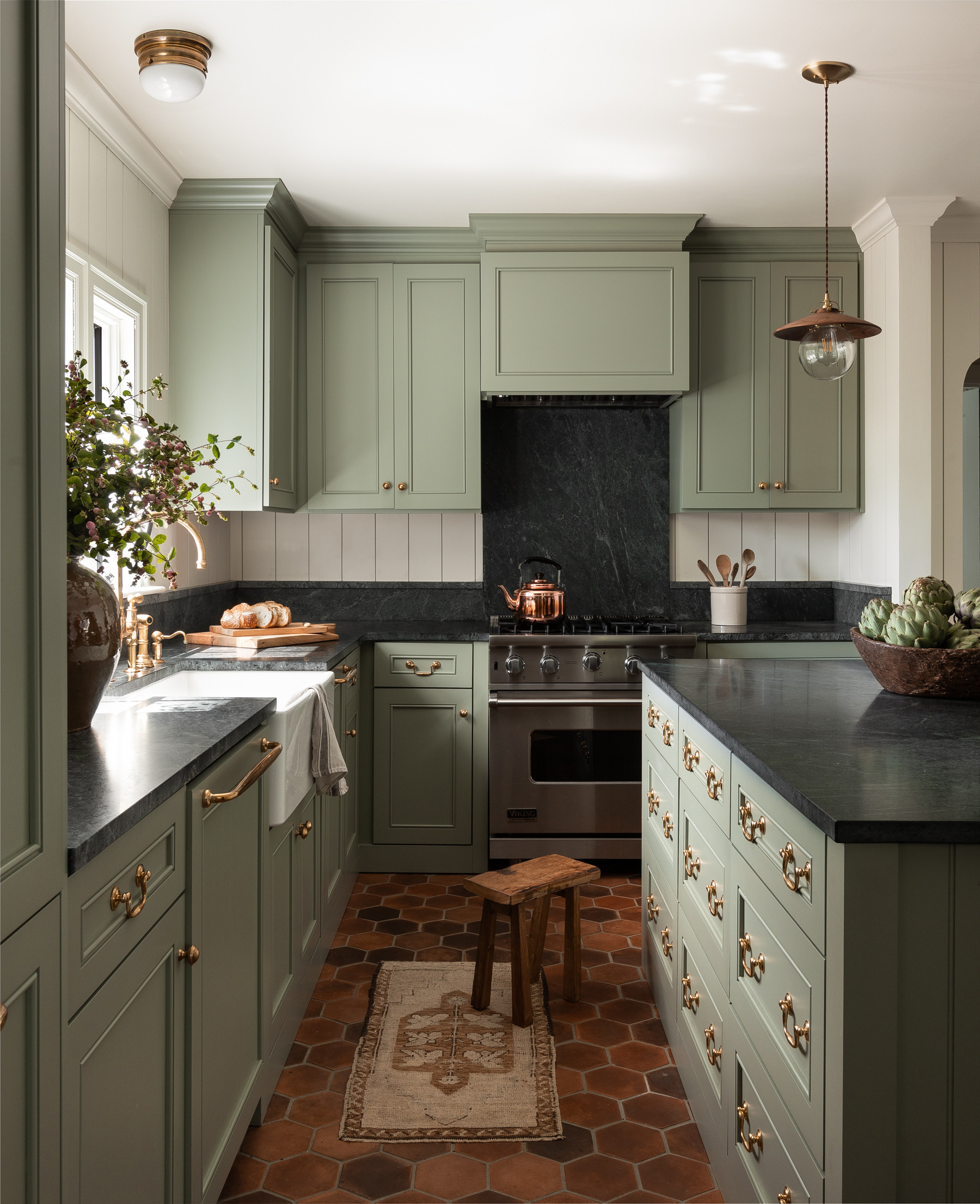 75 Beautiful Kitchen With Black Backsplash Pictures Ideas November 2020 Houzz