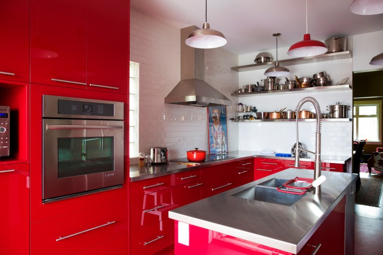 75 Beautiful Kitchen Pantry With Red Cabinets Pictures Ideas January 2021 Houzz