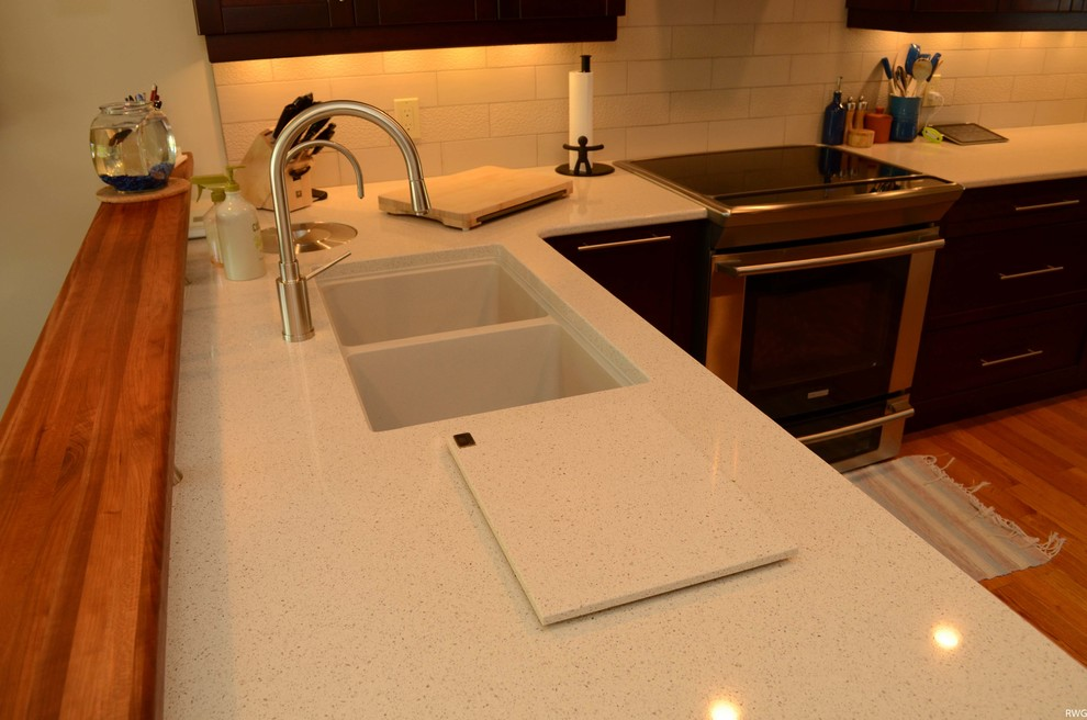 Warm Maple Kitchen with White Quartz - Kitchen - Toronto ... on Light Maple Cabinets With White Countertops  id=47651