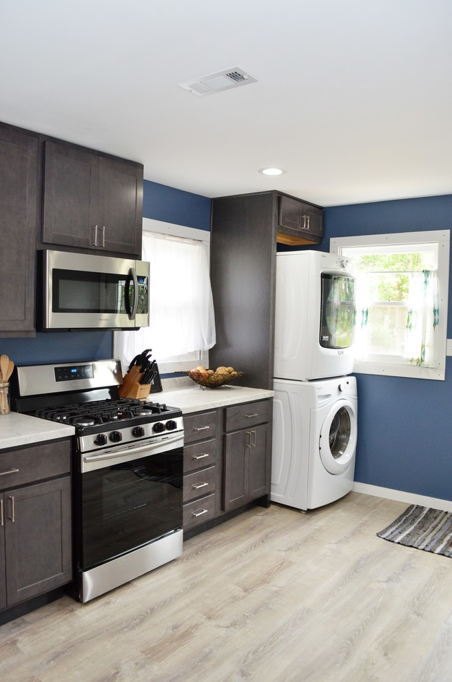 Wheatfield IN, Baileytown USA Maple Slate, One Wall ... on Light Maple Cabinets With White Countertops  id=45522