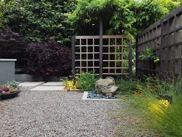 3 patios ingeniously mix pavers and pebbles