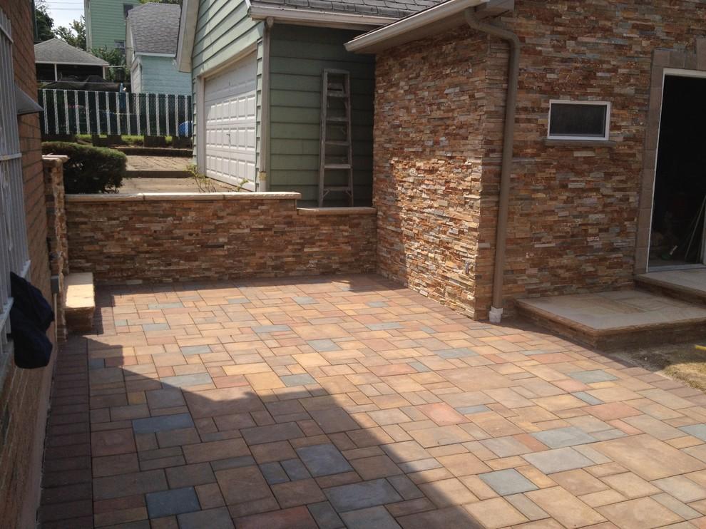 18x18 pavers transitional patio
