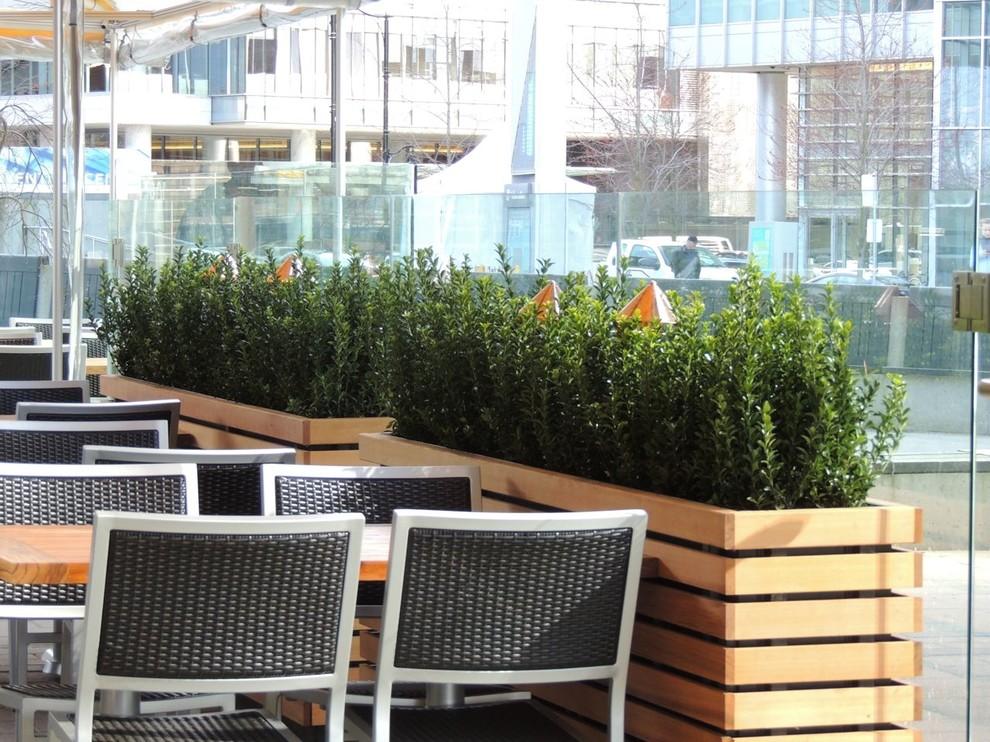 modern patio vancouver