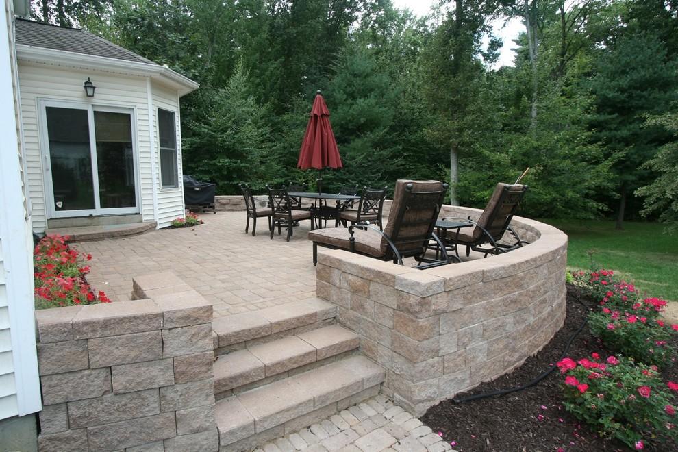 raised paver patio contemporary