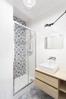 de carrelage de petite salle de bain