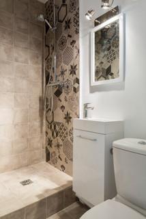 salle d eau avec des carreaux de beton