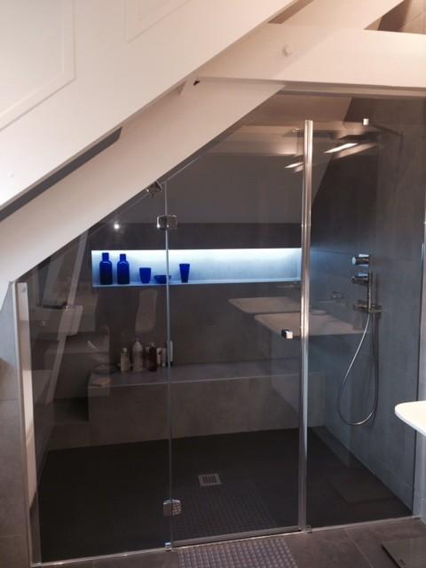 salle de bain sous pente sous comble