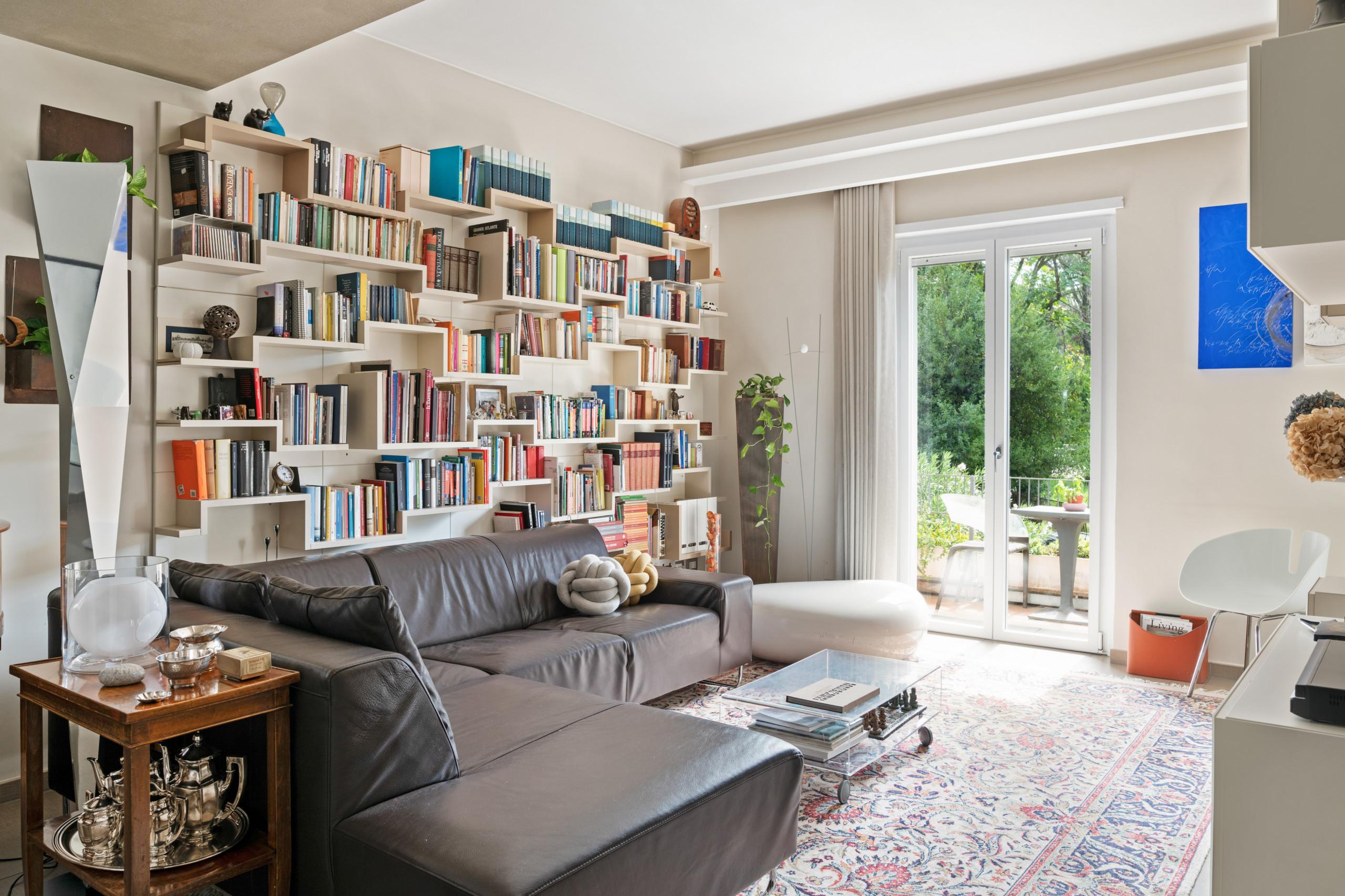 arredare il soggiorno in stile toscano (foto) divano bianco. Soggiorno Foto E Idee Per Arredare Settembre 2021 Houzz It