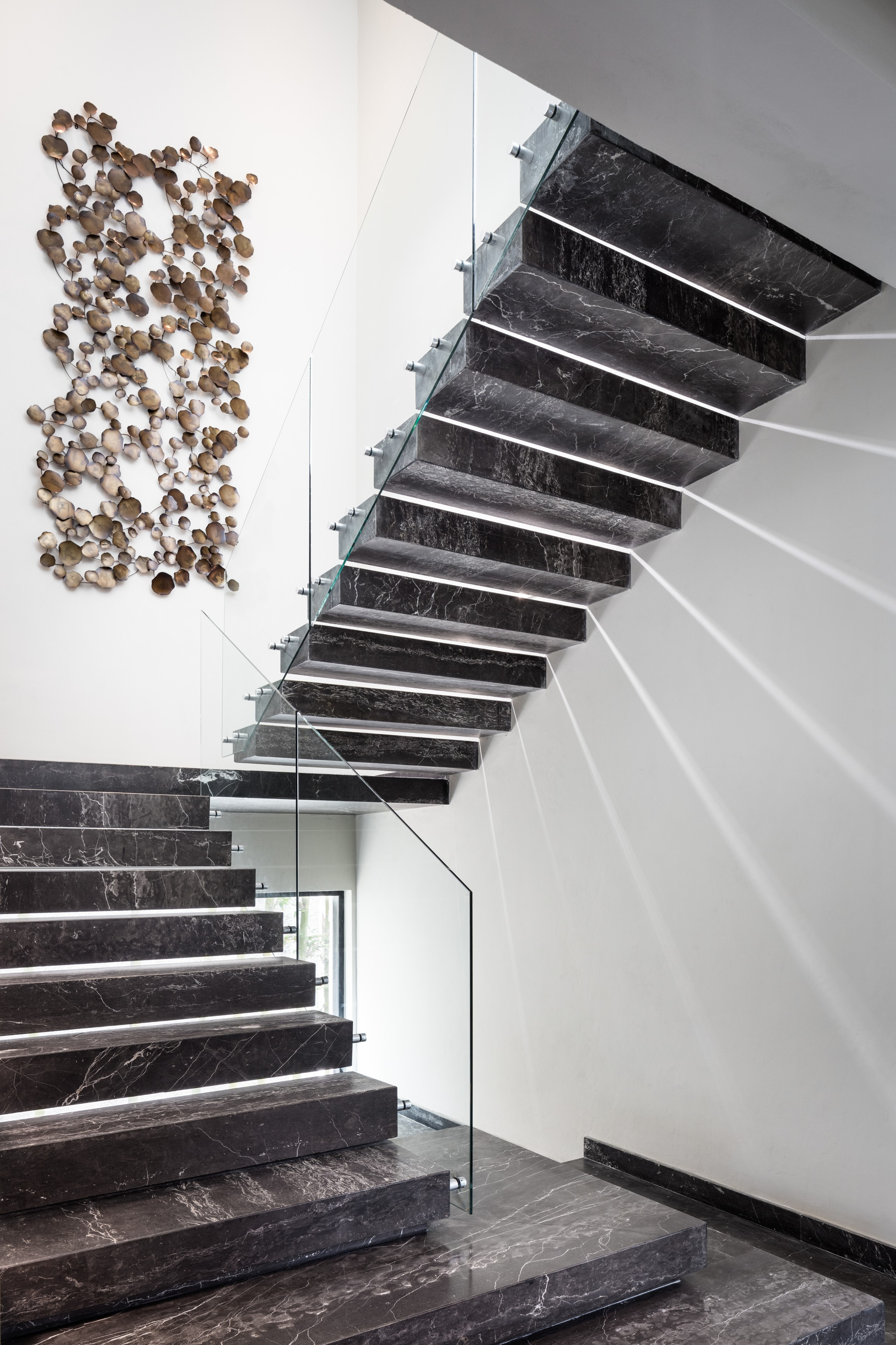 75 Beautiful Marble Staircase Pictures Ideas September 2020 | Black Granite Staircase Designs | India Staircase | Contemporary | Italian Marble Step | Double Staircase | Wood Girl
