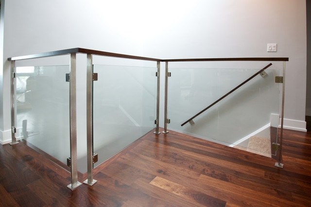 Stainless Tempered Glass Railings Modern Staircase Chicago | Tempered Glass Panels For Stairs | Metal | Glass Balustrade | Newel Post | Acrylic | Bannister