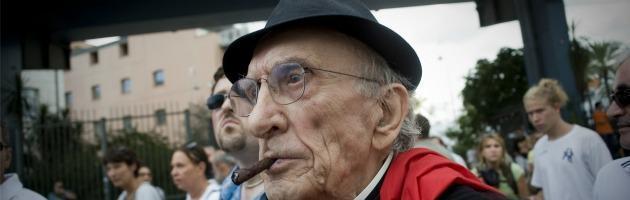 https://i1.wp.com/st.ilfattoquotidiano.it/wp-content/uploads/2012/05/don-gallo_INTERNA-NUOVA.jpg
