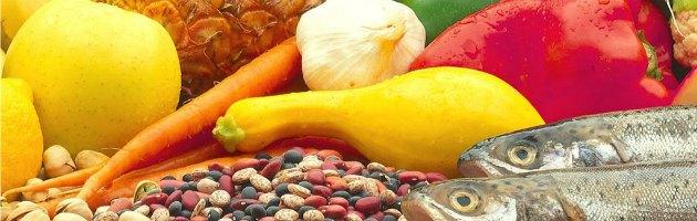 """Dieta mediterranea, ricerca: """"Ecco perché è il miglior elisir di lunga vita"""""""