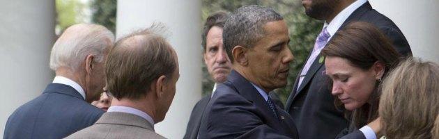 https://i1.wp.com/st.ilfattoquotidiano.it/wp-content/uploads/2013/04/obama_vittime_newtown_interna-nuova.jpg