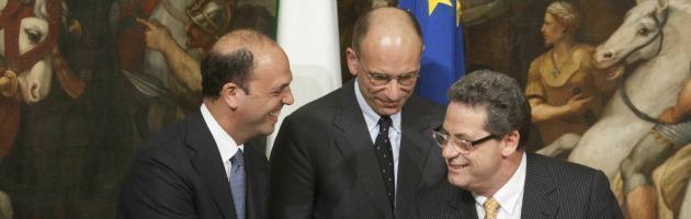 https://i1.wp.com/st.ilfattoquotidiano.it/wp-content/uploads/2013/05/miccich%C3%A8-alfano-letta_interna-nuova.jpg