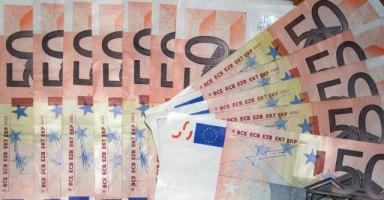 Lettonia, a mezzanotte l'ingresso nell'euro. Ma il 58% dei cittadini è contrario