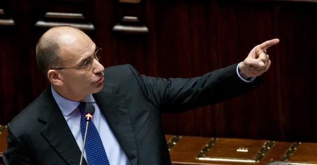 """Fiducia, bagarre Letta-M5S: """"Grillo non inciti alla violenza. No gogna per la stampa"""""""