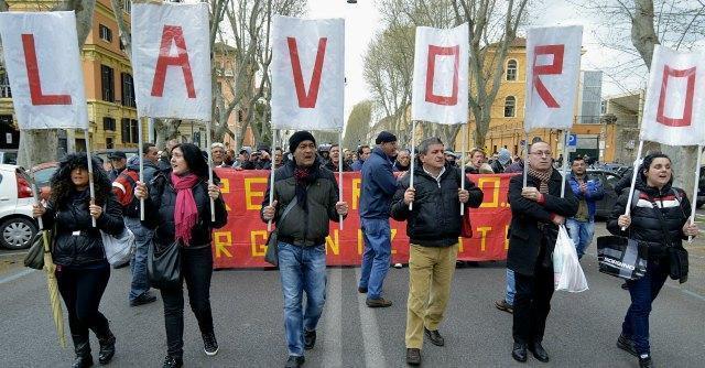 Istat, la disoccupazione sale ancora: è al 13%, quella giovanile al 42