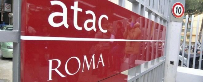 Roma, indagati per abuso d'ufficio ex dirigenti Atac e Cotral: appalti senza gara