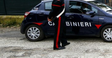 """""""Colpo di fucile partito inavvertitamente"""". In provincia di Brescia 57enne uccide la figlia 15enne"""