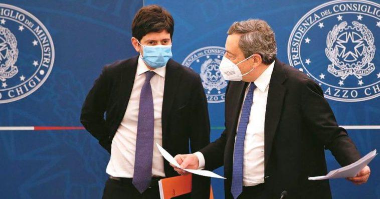 """Nuovo decreto Coronavirus, dal 6 agosto green pass per ristoranti al chiuso, palestre, cinema. Draghi: """"Condizione per tenere attività aperte"""""""