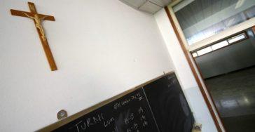 Crocifisso in aula: una sentenza cerchiobottista molto complicata sul piano della logica