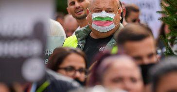 Coronavirus, il contagio vola nell'Est Europa con pochi vaccinati: picco di morti in Ucraina e Romania, la Bulgaria introduce il green pass