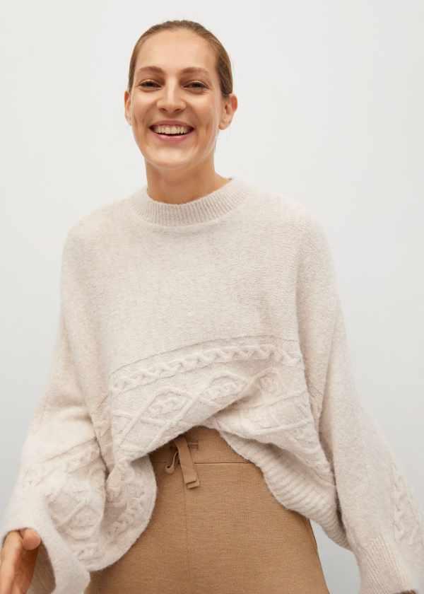 Oversized knitted cape - Mango