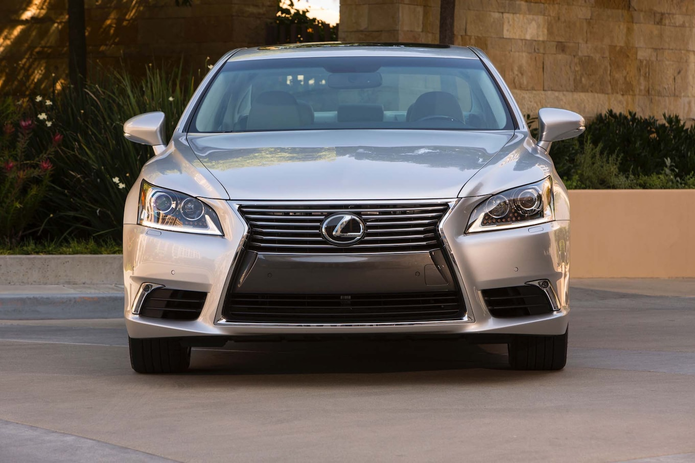 2017 Lexus LS460 Reviews and Rating