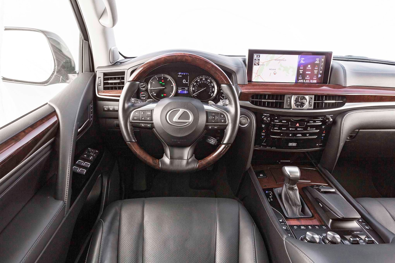 Lexus LX 570 2017 Motor Trend SUV Of The Year Contender