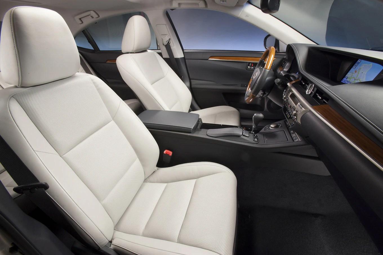 2015 Lexus ES300h Reviews and Rating