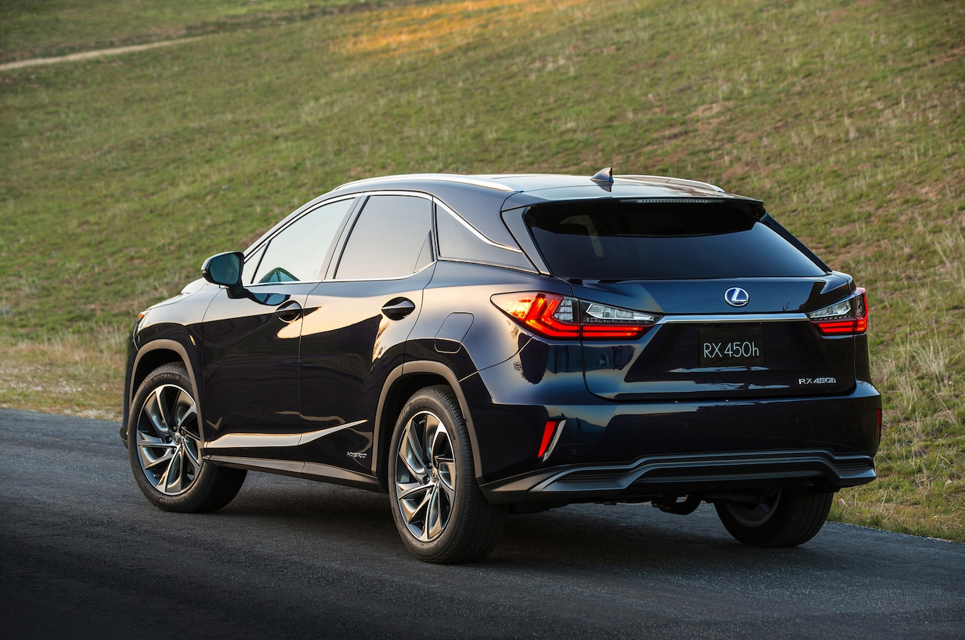 2016 Lexus RX450h Reviews and Rating